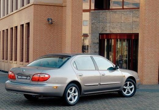 NISSAN Maxima QX II sedan silver grey tylny prawy