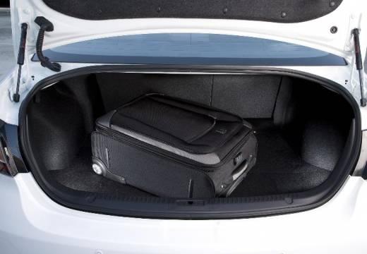 MAZDA 6 III sedan biały przestrzeń załadunkowa