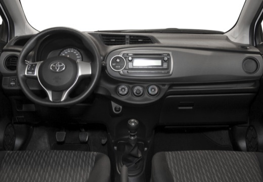 Toyota Yaris V hatchback biały tablica rozdzielcza