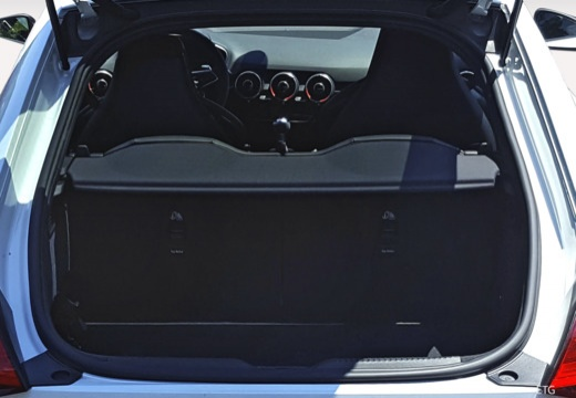 AUDI TT III coupe przestrzeń załadunkowa