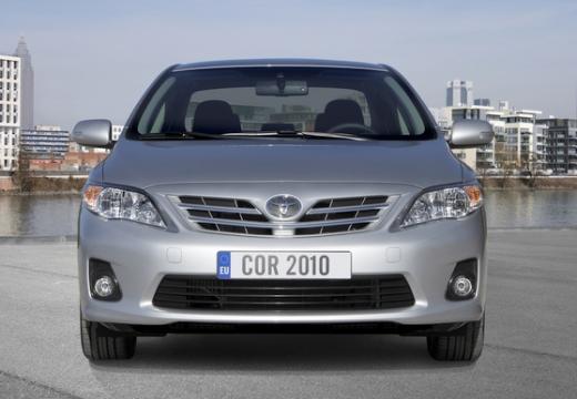Toyota Corolla II sedan silver grey przedni