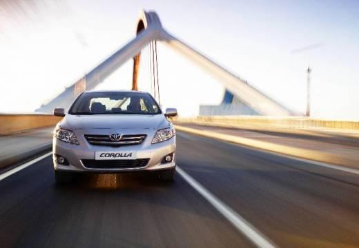 Toyota Corolla I sedan silver grey przedni