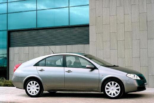 NISSAN Primera V hatchback szary ciemny przedni prawy