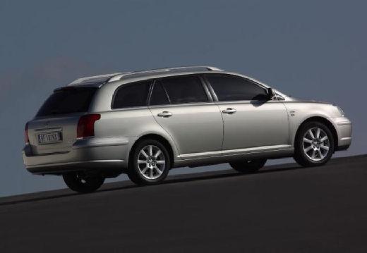 Toyota Avensis III kombi silver grey tylny prawy