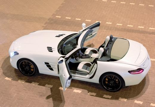MERCEDES-BENZ SLS AMG roadster biały tylny lewy