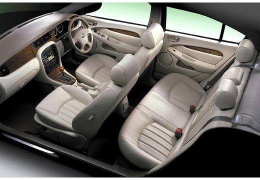 JAGUAR X-Type I sedan wnętrze