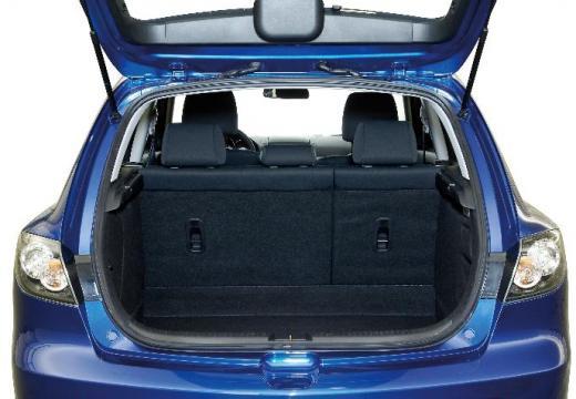 MAZDA 3 II hatchback niebieski jasny przestrzeń załadunkowa