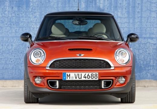 MINI [BMW] Mini MINI One IV hatchback czerwony jasny przedni