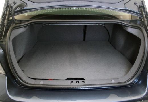 VOLVO S40 V sedan przestrzeń załadunkowa