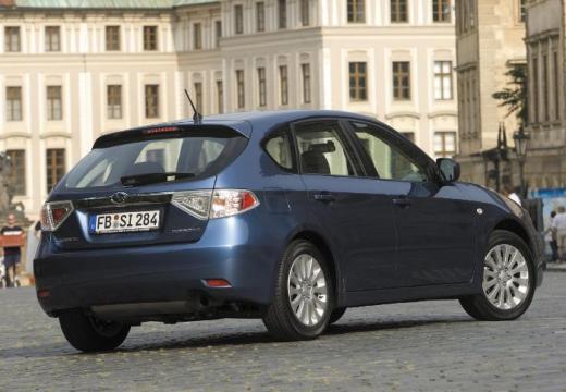 SUBARU Impreza I hatchback niebieski jasny tylny prawy