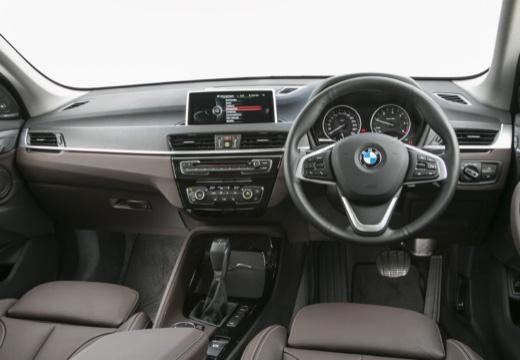 BMW X1 X 1 F48 I kombi biały tablica rozdzielcza