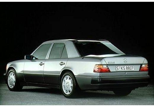 MERCEDES-BENZ 124 200-500E W sedan szary ciemny tylny lewy