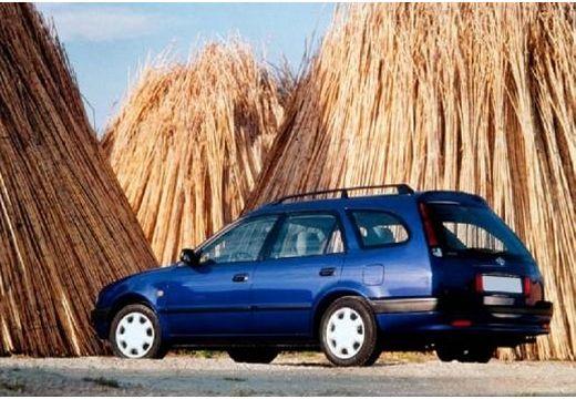 Toyota Corolla III kombi niebieski jasny tylny lewy