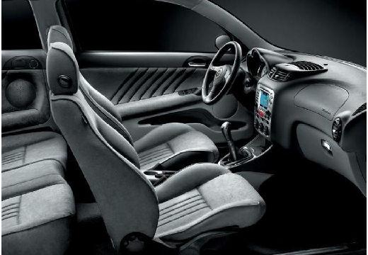 ALFA ROMEO 147 hatchback wnętrze