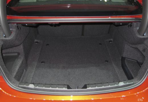 BMW Seria 4 coupe przestrzeń załadunkowa
