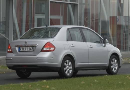 NISSAN Tiida sedan silver grey tylny prawy