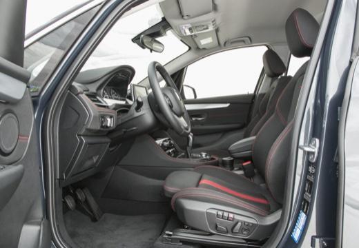 BMW Seria 2 Active Tourer F45 I kombi wnętrze