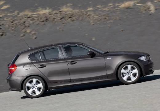 BMW Seria 1 E87 II hatchback brązowy boczny prawy