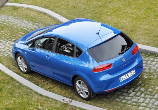 SEAT Leon III hatchback niebieski jasny tylny lewy