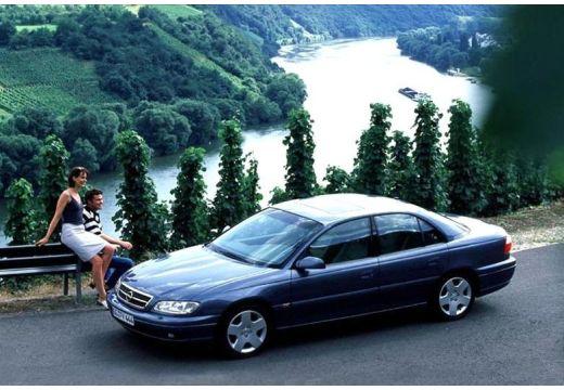 OPEL Omega B II sedan niebieski jasny przedni lewy