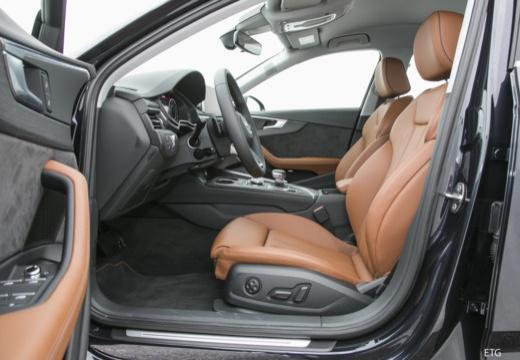 AUDI A4 I sedan wnętrze