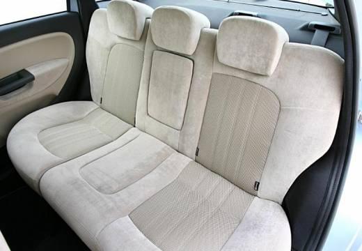 FIAT Linea I sedan niebieski jasny wnętrze