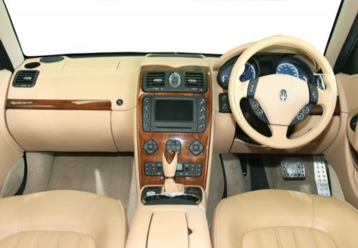 MASERATI Quattroporte II sedan niebieski jasny tablica rozdzielcza