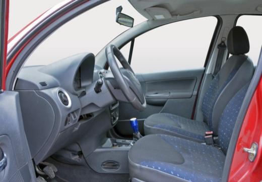 CITROEN C3 II hatchback czerwony jasny wnętrze