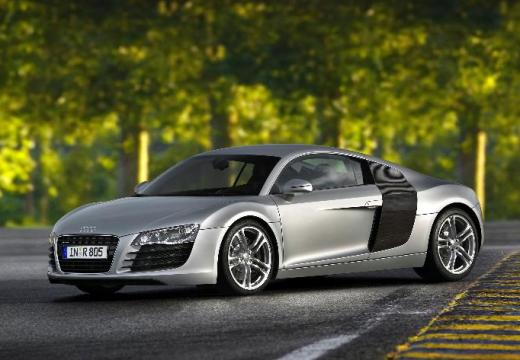 AUDI R8 4.2 Quattro R tronic Coupe I 420KM (benzyna)