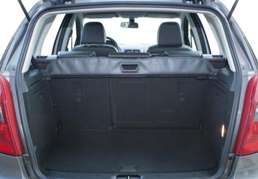 MERCEDES-BENZ Klasa A W 169 II hatchback szary ciemny przestrzeń załadunkowa