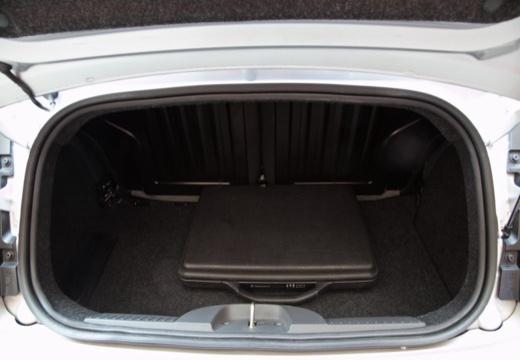 FIAT 500 C I kabriolet silver grey przestrzeń załadunkowa