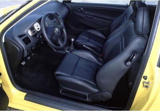 SEAT Cordoba coupe żółty wnętrze