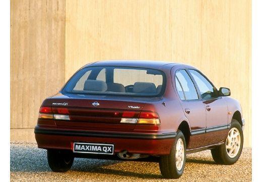 NISSAN Maxima sedan bordeaux (czerwony ciemny) tylny prawy