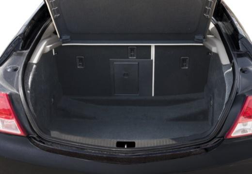 OPEL Insignia I hatchback czarny przestrzeń załadunkowa