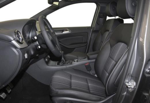 MERCEDES-BENZ Klasa B III hatchback wnętrze