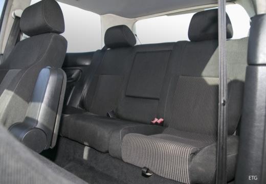 VOLKSWAGEN Golf IV hatchback wnętrze