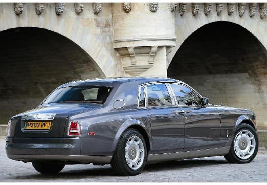 ROLLS-ROYCE Phantom sedan silver grey tylny prawy