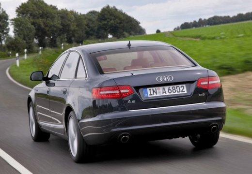 AUDI A6 sedan czarny tylny lewy