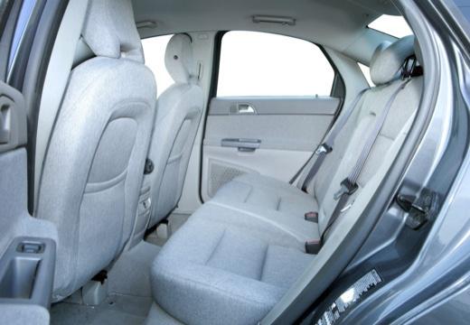 VOLVO S40 IV sedan niebieski jasny wnętrze