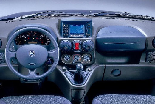 FIAT Doblo II kombi tablica rozdzielcza