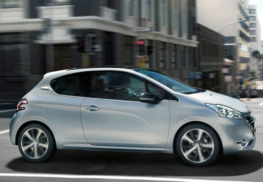PEUGEOT 208 hatchback silver grey boczny lewy