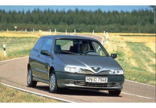 ALFA ROMEO 145 hatchback przedni prawy