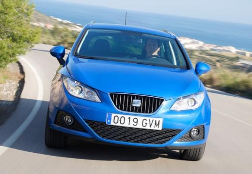 SEAT Ibiza kombi niebieski jasny przedni