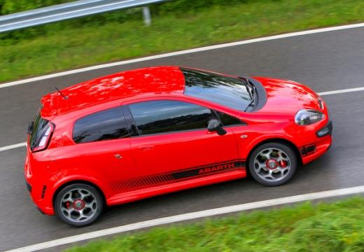 FIAT Punto Evo hatchback czerwony jasny boczny prawy