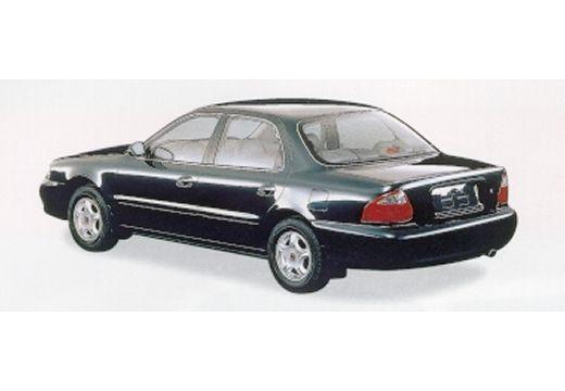 KIA Clarus sedan czarny tylny lewy