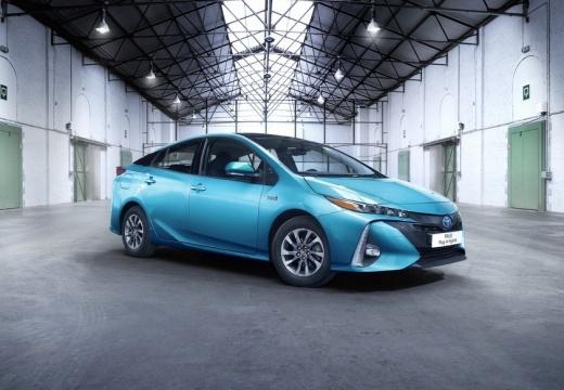 Toyota Prius hatchback niebieski jasny przedni prawy