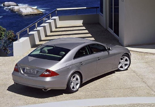 MERCEDES-BENZ Klasa CLS sedan