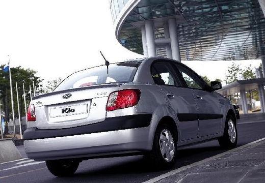 KIA Rio III sedan silver grey tylny prawy
