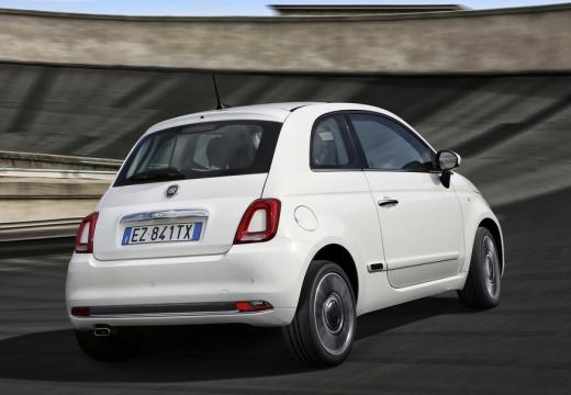 FIAT 500 hatchback biały tylny prawy