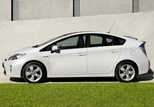 Toyota Prius hatchback biały boczny lewy